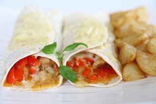 Piščančje chimichangas – Tortilje polnjene s piščancem in rdečo papriko