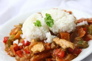 Zelenjavna rižota s piščancem in sojino omako