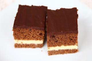 Čokoladno pecivo z vanilijevo kremo