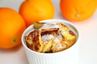 Pečene jajčne kruhove rezine s pomarančno lupinico