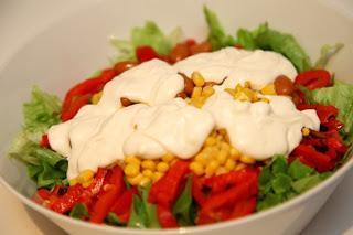 Mehiška solata s pečeno papriko