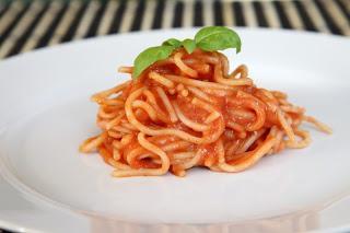 Testenine v sladki kečapovi omaki
