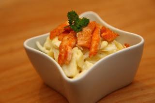 Krompirjeva solata z lososom