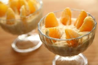 Pomarančni krhlji na bananinem pireju
