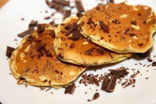 Ameriške palačinke s temno čokolado