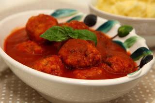 Čufte v paradižnikovi omaki