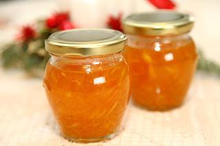 Sladka pomarančna marmelada z lupinico