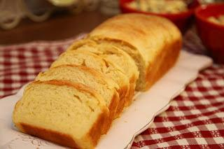 Rahel puhasti kruh z rikoto / ricotto