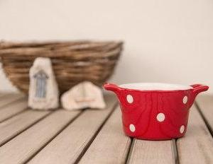 Komplet dveh retro mini keramičnih pekačkov Isabelle Rose za muffine ali soufflé – rdeč