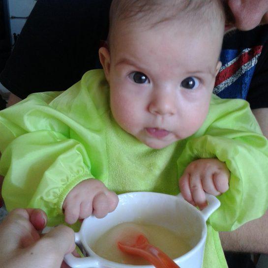 Uvajanje goste hrane pri dojenčkih 3.del
