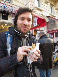 Kristijan se sladka. :)