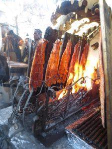 Fascinantna peka lososa, ki je potem pristal v svežih bagetah. Sprobano - odlično! :)