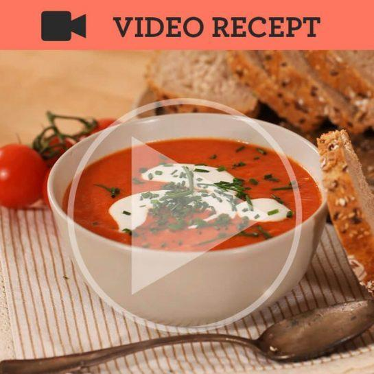 15 minutna paradižnikova juha z jogurtovo polivko