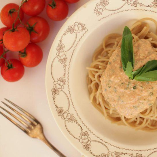 Špageti s pestom alla siciliana