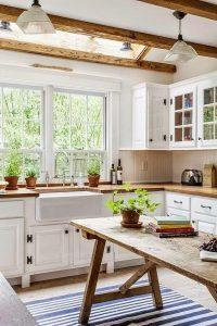 669bb17b899df5d2506edf014103ccb5--white-country-house-country-house-kitchen