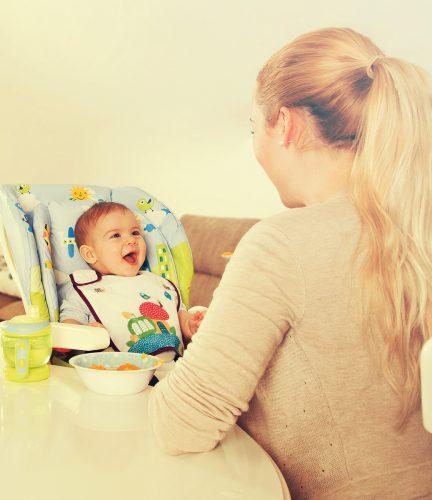 Dojenje in uvajanje goste hrane