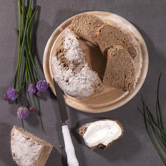 Ekspresni polnozrnati kruh s sodo bikarbono