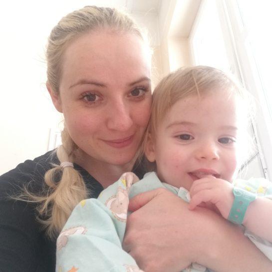5 dni bruhanja pri malčku, invaginacija, infekcijska klinika in stresno/nenadno ukinjanje dojenja