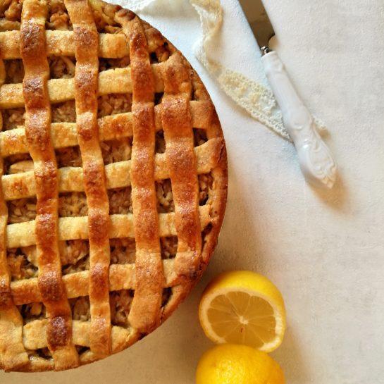 Jabolčna pita torta z vanilijevo kremo