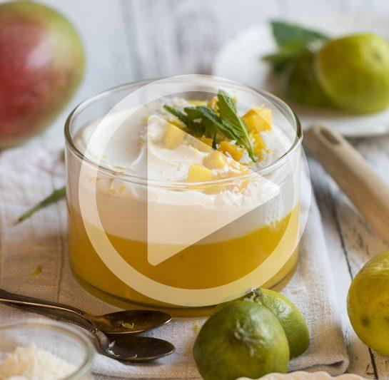Mangov žele s kokosovo jogurtovo kremo