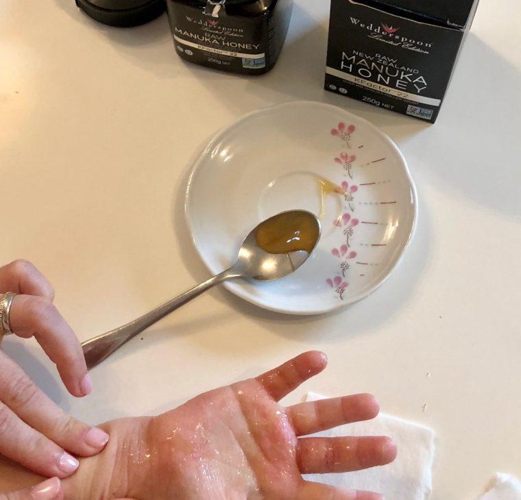 Resistentna bakterija stafilokok aureus, Manuka med, razkuževanje oblačil