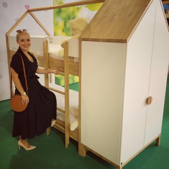 Preurejanje otroške sobe in iskanje možnosti na sejmu MOS