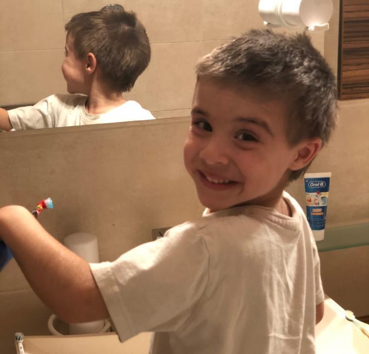 Težave z umivanjem zob pri otrocih