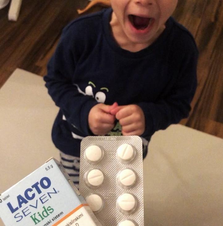 Testiramo Lacto Seven Kids otroške probiotike