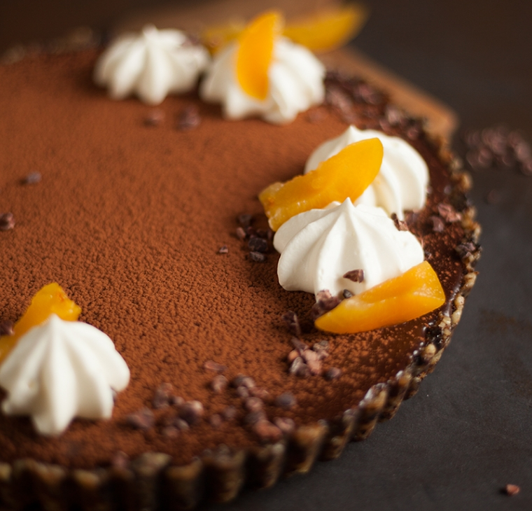 Ekspresna sacher čokoladna pita – brez peke