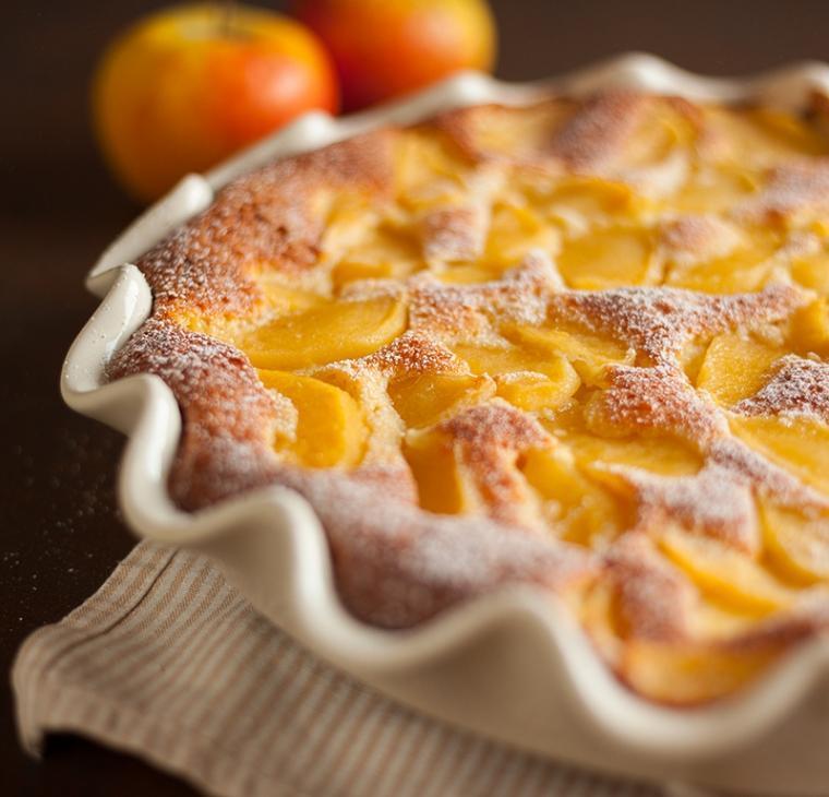 Lahek skutni jabolčni kolač