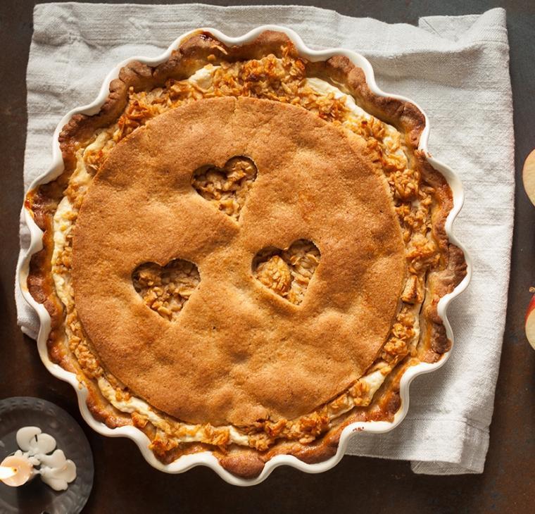 Zdrava jabolčno skutna pita z mandljevim krhkim testom