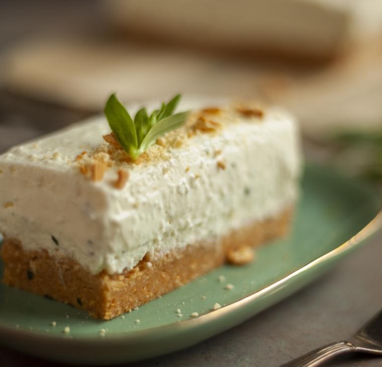 Pehtranova skutna torta – brez peke