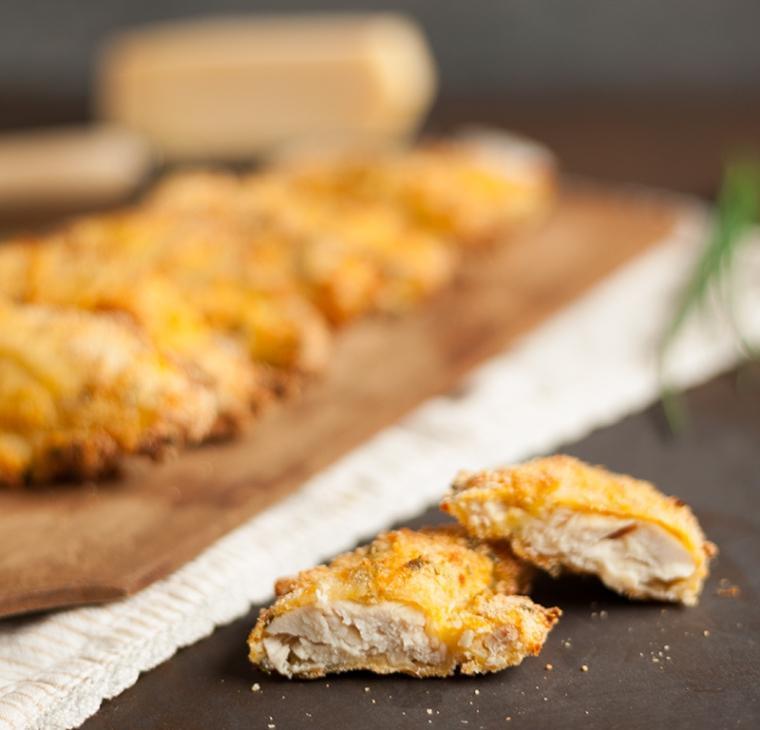 Piščančji fileji po dunajsko, zapečeni v pečici