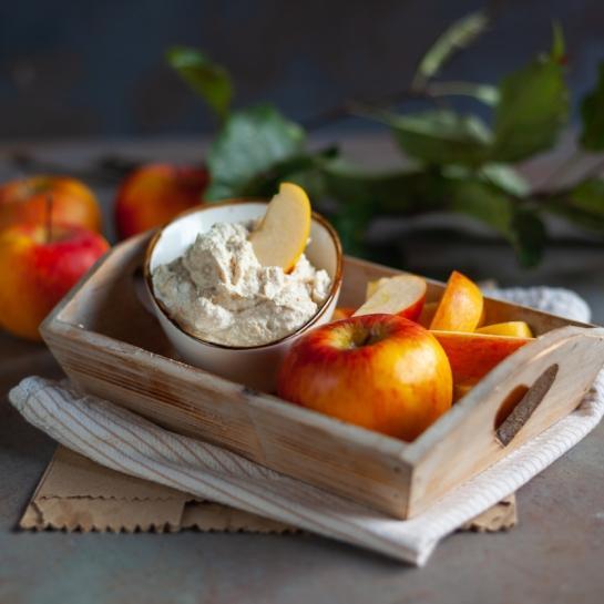 Arašidova zdrava pomaka z jabolki