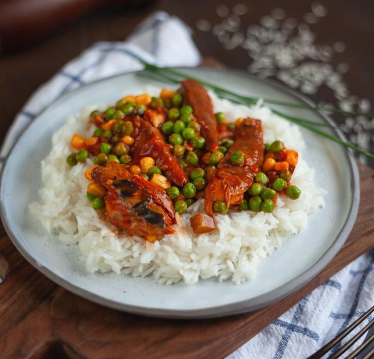 Basmati riž s koruzo, grahom in skušo
