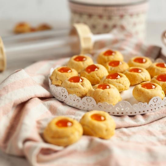 Jogurtovi poljubčki z breskvino marmelado