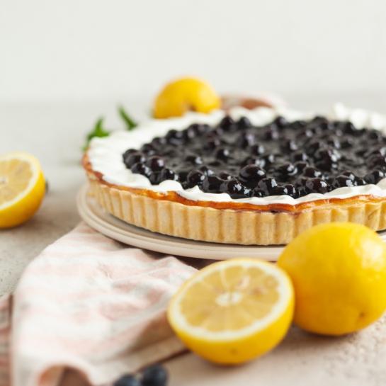 Borovničevo limonina sirova cheesecake pita