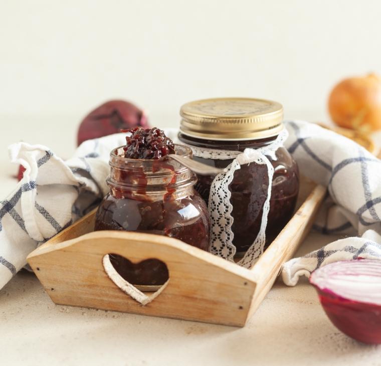 Čebulni džem z balzamičnim kisom