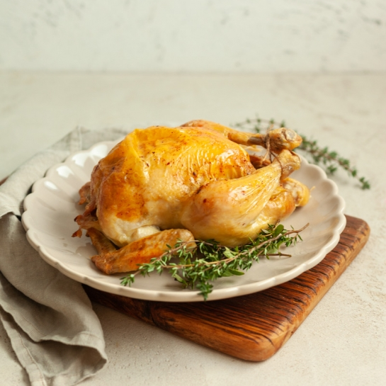Cel pečen piščanec