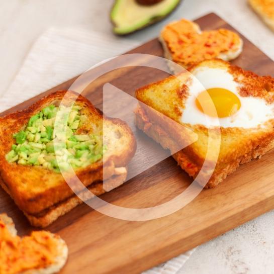 Srčkan toast za zajtrk