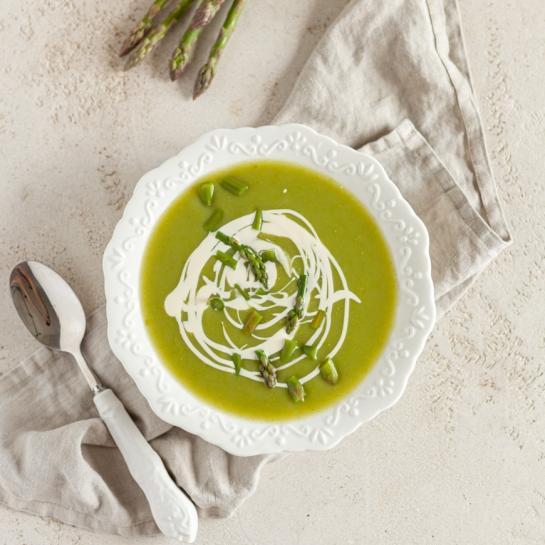 Preprosta špargljeva juha