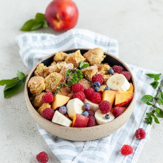 Zdrav polnozrnat šmorn s sadjem