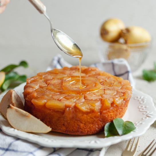 Obrnjen hruškin vanilijev kolač